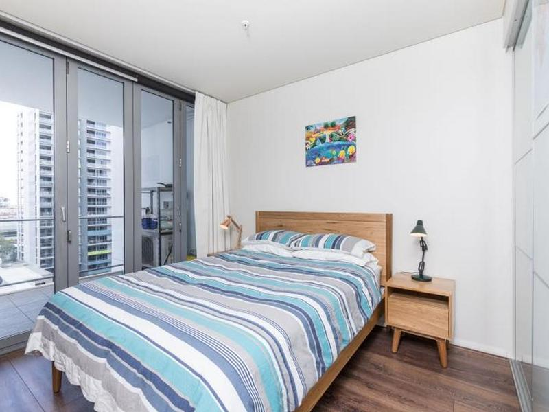 Rent mate in oz for 114 terrace road perth